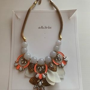 Stella & Dot Statement Necklace